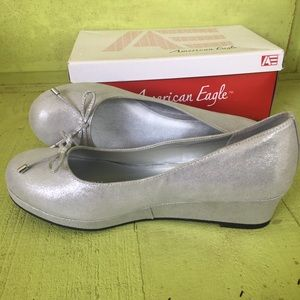 New American Eagle Marcie Silver Wedge Shoes 6